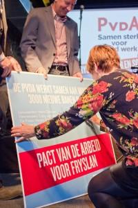 Coby ondertekent het Pact van de Arbeid voor Fryslan